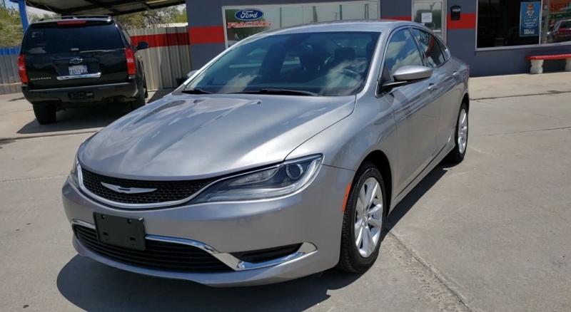 Chrysler 200 2015 price $10,600