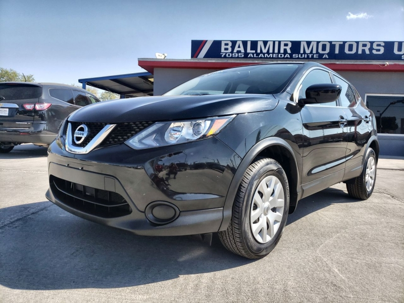 Nissan Rogue Sport 2017 price $16,900