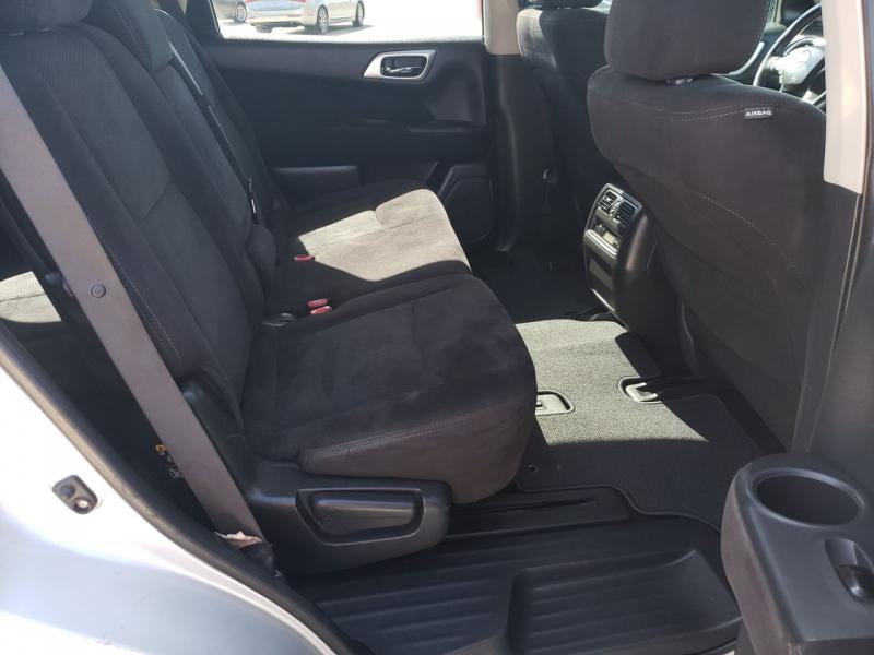 Nissan Pathfinder 2014 price $12,895