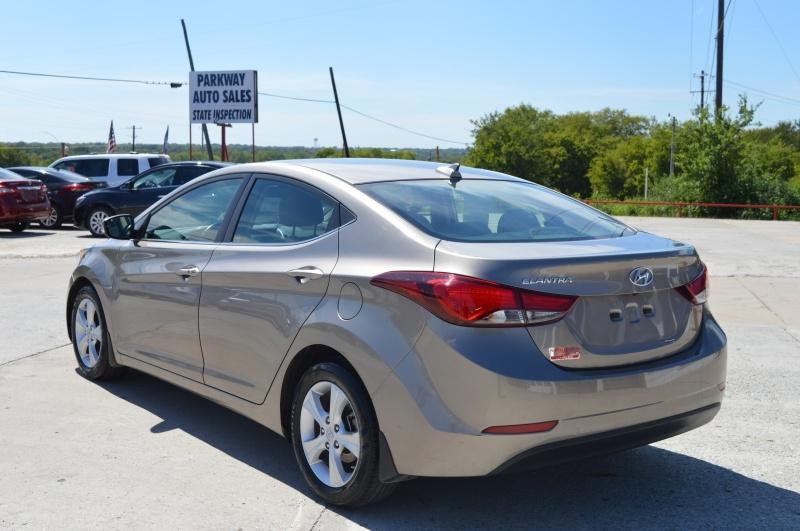 Hyundai Elantra 2016 price $9,450