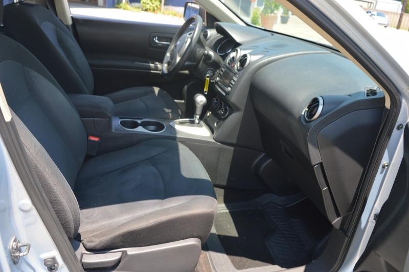 Nissan Rogue 2015 price $11,988
