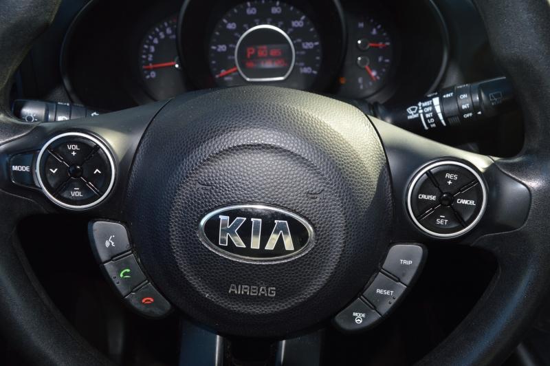 Kia Soul 2015 price $11,988