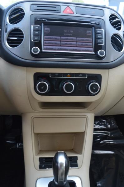 Volkswagen Tiguan 2011 price $8,488