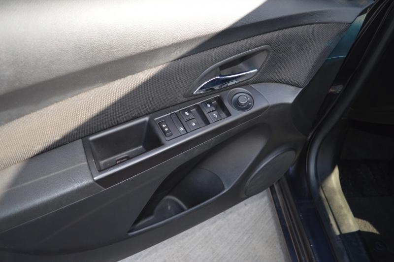 Chevrolet Cruze 2015 price $10,688