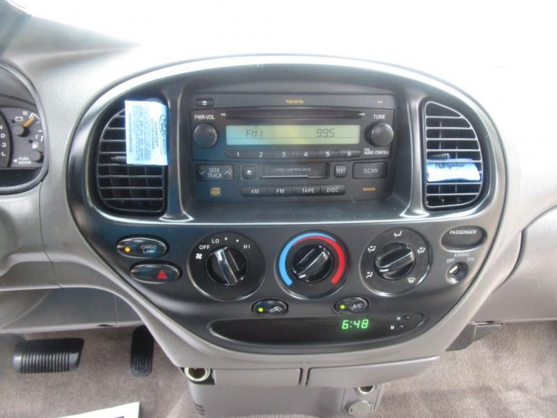 Toyota Tundra 2004 price $14,995