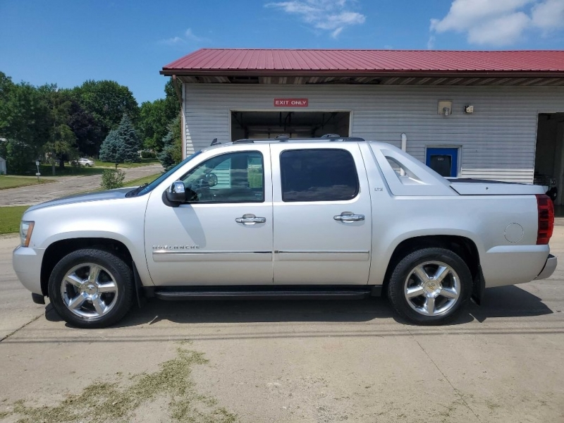 CHEVROLET AVALANCHE 2012 price $8,950
