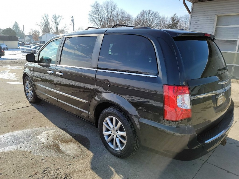 CHRYSLER TOWN & COUNTRY 2014 price $11,450