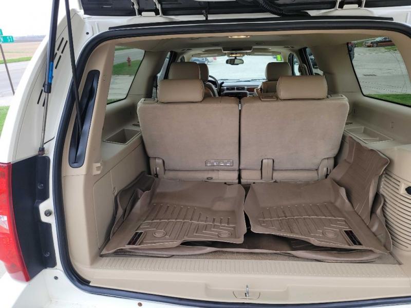 CHEVROLET SUBURBAN 2011 price $14,950