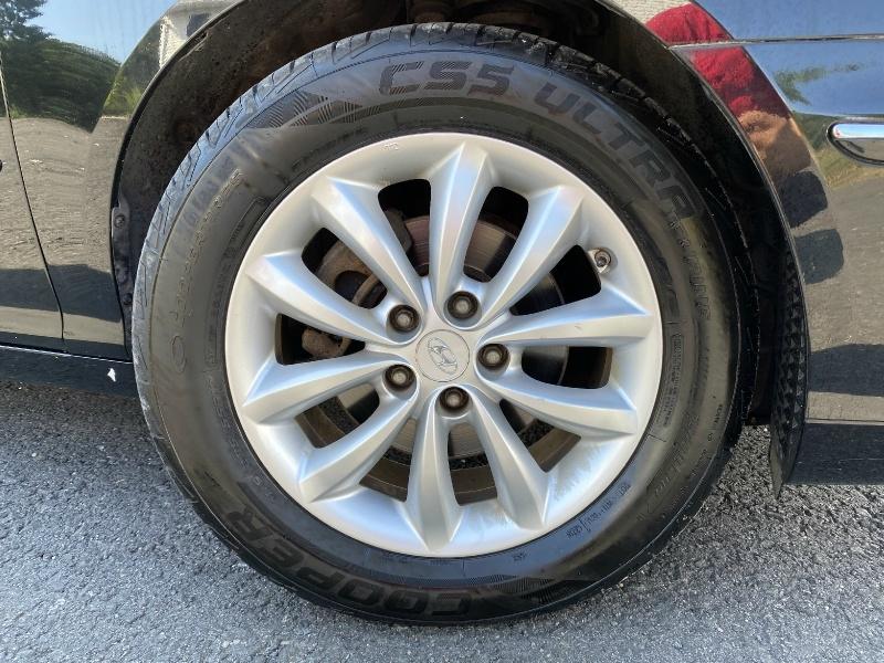 Hyundai Azera 2008 price $8,195