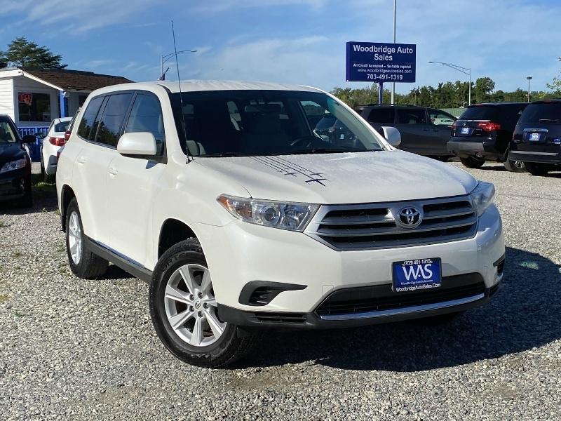 Toyota Highlander 2011 price $12,257