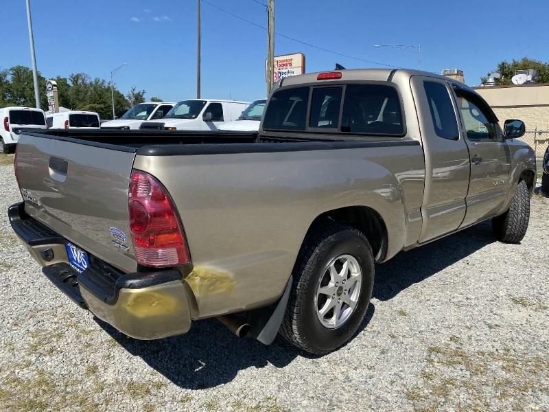 Toyota Tacoma 2005 price $8,995