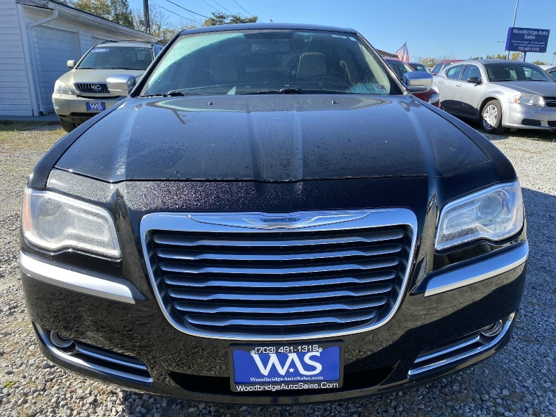 Chrysler 300 2013 price $13,995