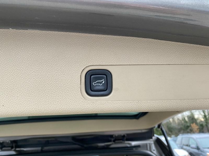 Chevrolet Tahoe 2011 price $10,995