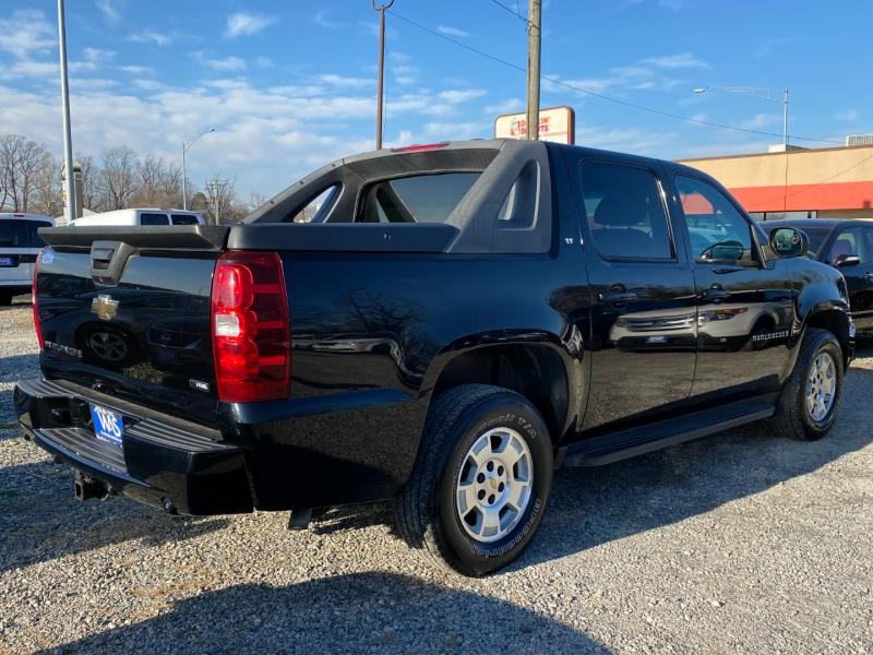 Chevrolet Avalanche 2009 price $13,995