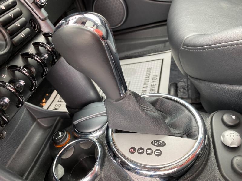 Mini Cooper Hardtop 2005 price $5,995