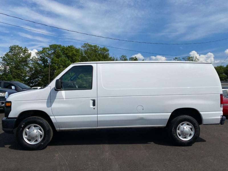 Ford Econoline Cargo Van 2009 price $13,995