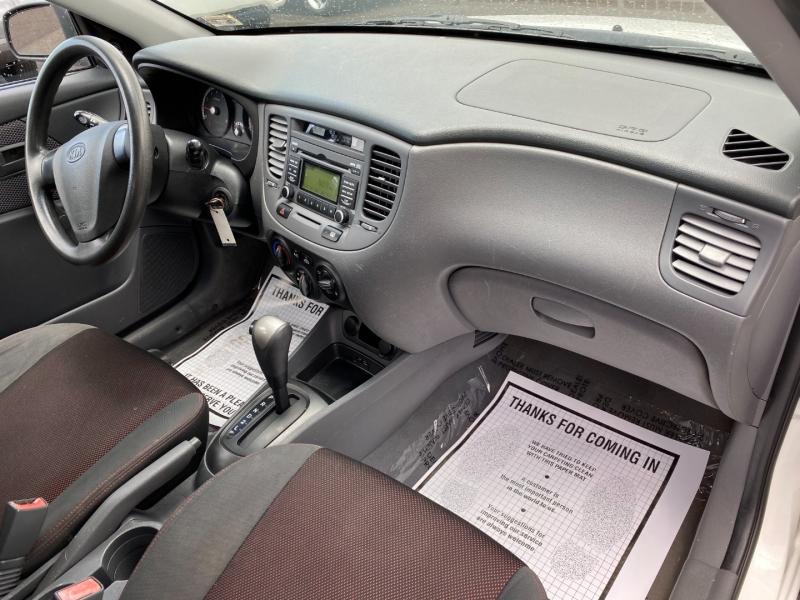 Kia Rio 2009 price $4,995