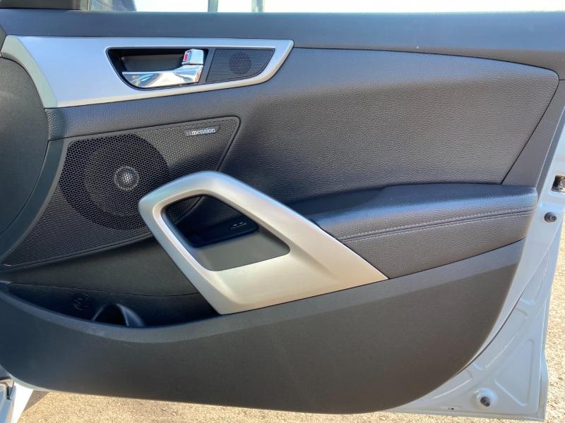 Hyundai Veloster 2015 price $8,995