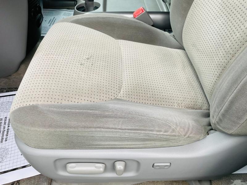 Toyota Sienna 2010 price $8,995