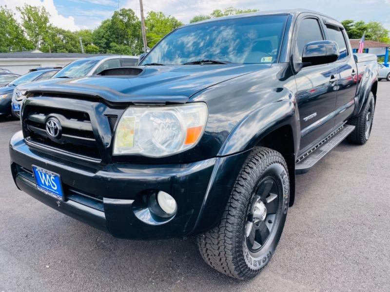 Toyota Tacoma 2005 price $13,995