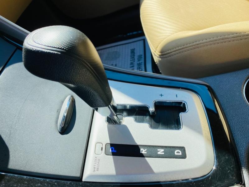 Hyundai Elantra 2011 price $9,995