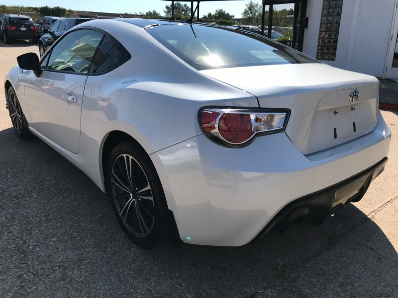 Scion FR-S 2013 price $10,995