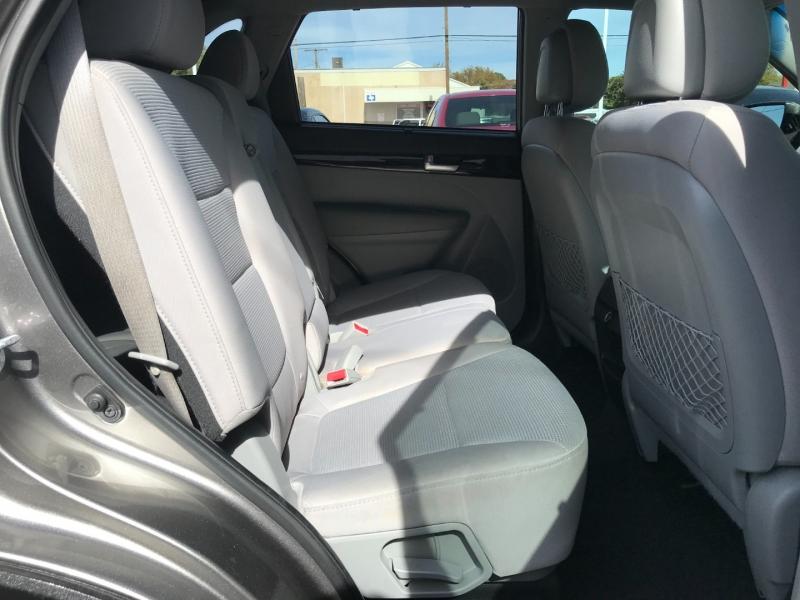 Kia Sorento 2014 price $9,795