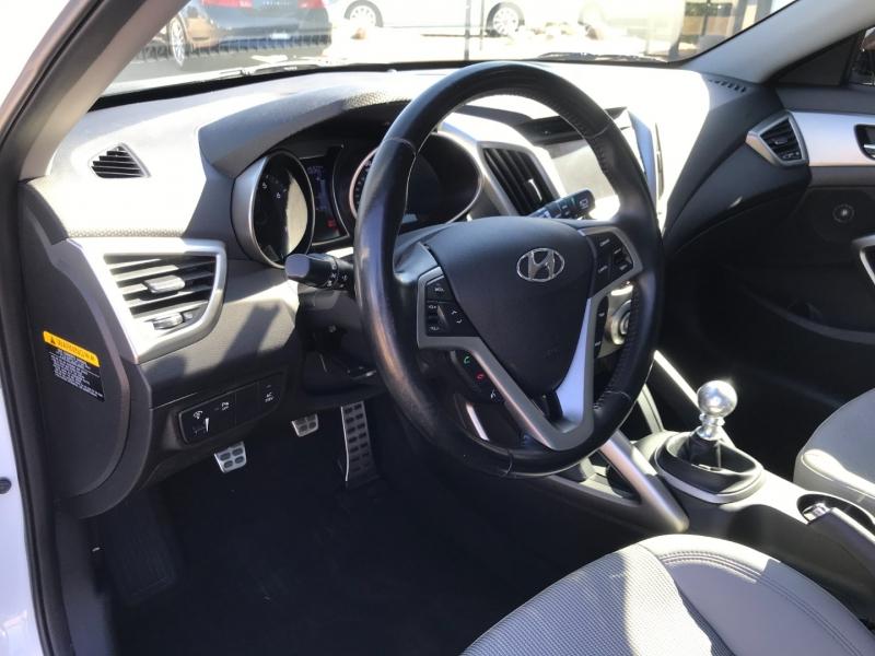 Hyundai Veloster 2014 price $8,995