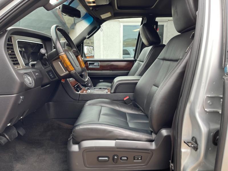 Lincoln Navigator 2012 price $10,495