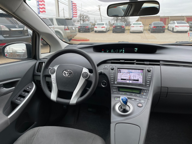 Toyota Prius 2010 price $7,995