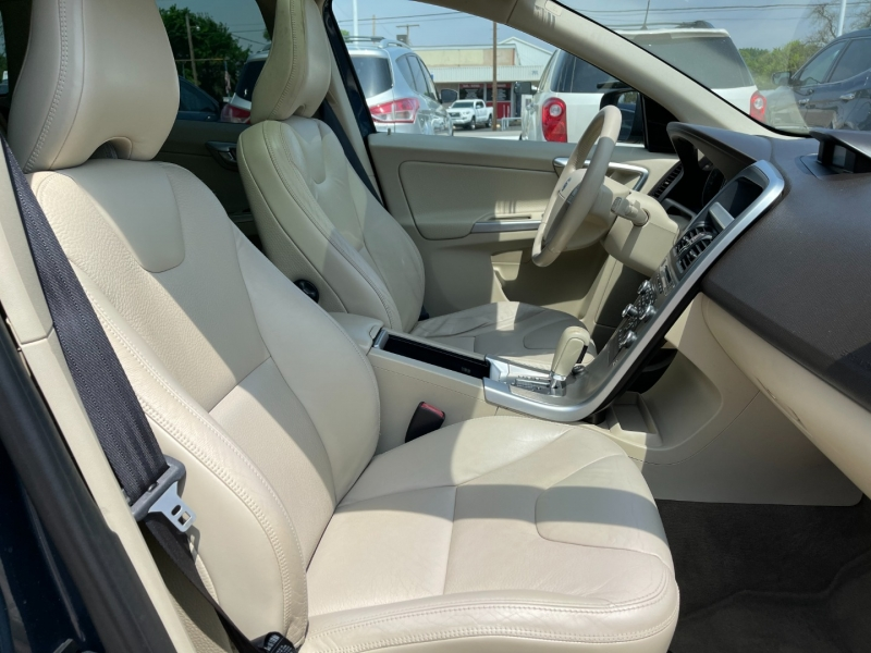 Volvo XC60 2010 price $8,295
