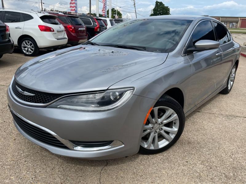 Chrysler 200 2015 price $8,895