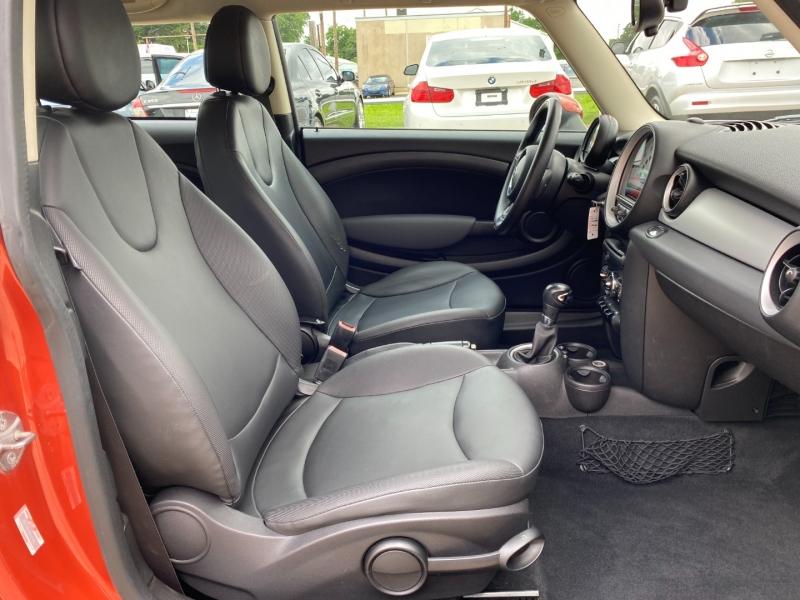 Mini Cooper Hardtop 2011 price $7,995