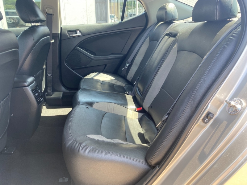 Kia Optima Hybrid 2013 price $9,995