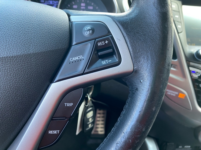 Hyundai Veloster 2013 price $9,295