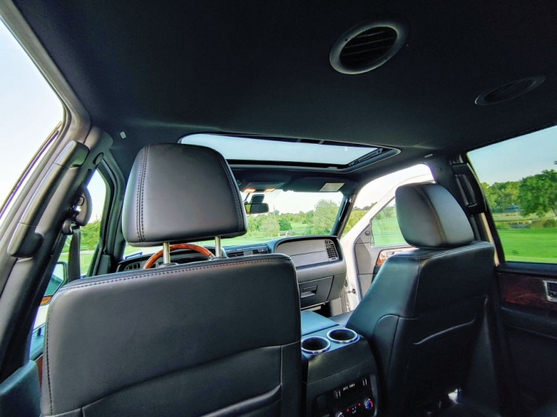 Lincoln NAVIGATOR 2015 price $24,799