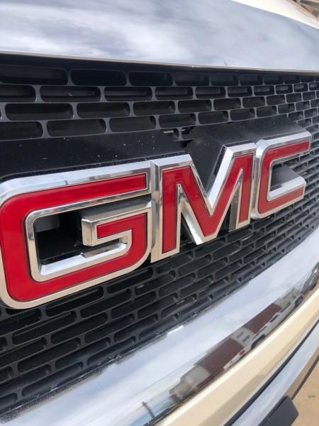 GMC ACADIA 2011 price $15,999