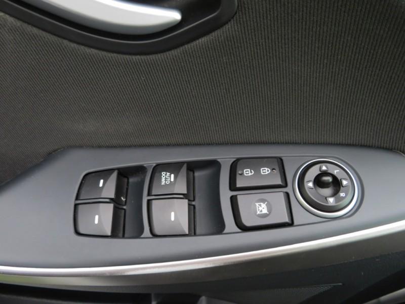 Hyundai Elantra GT 2016 price $8,988