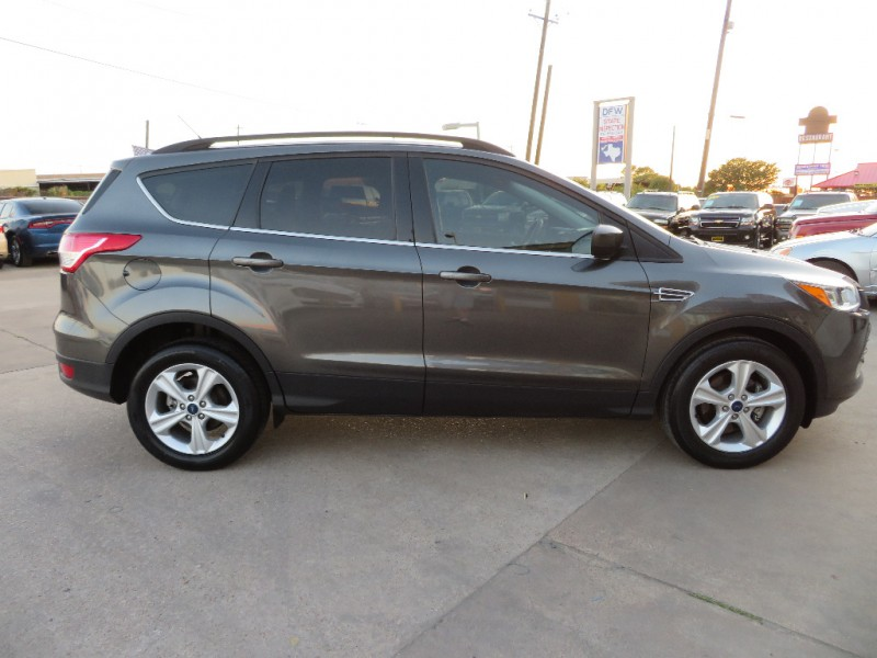 Ford Escape 2016 price $11,995