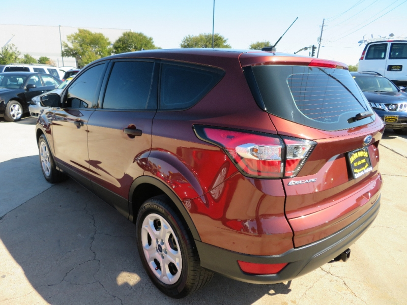 Ford Escape 2018 price $11,995