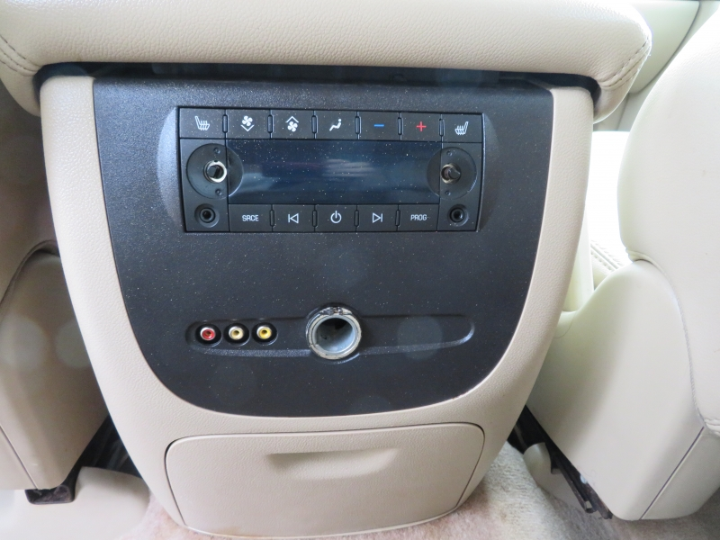 Chevrolet Suburban 2008 price $10,995