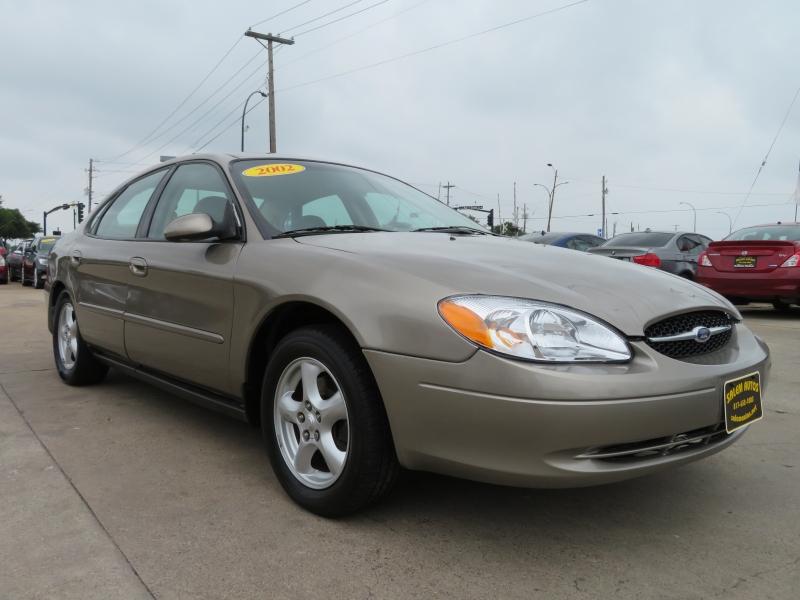 Ford Taurus 2002 price $3,500