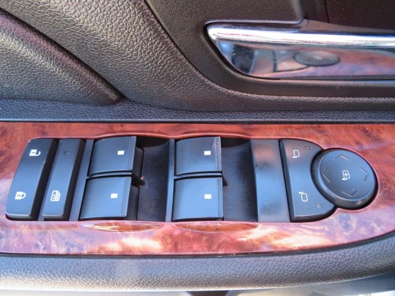 Chevrolet Suburban 2007 price $12,995