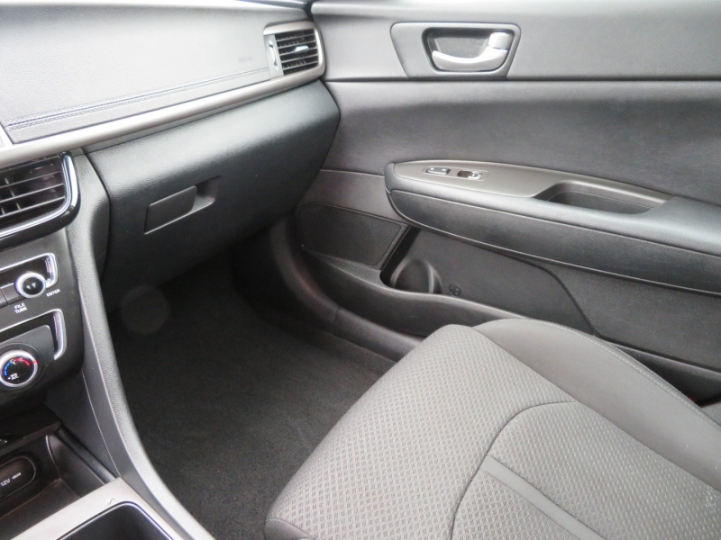 Kia Optima 2018 price $10,995