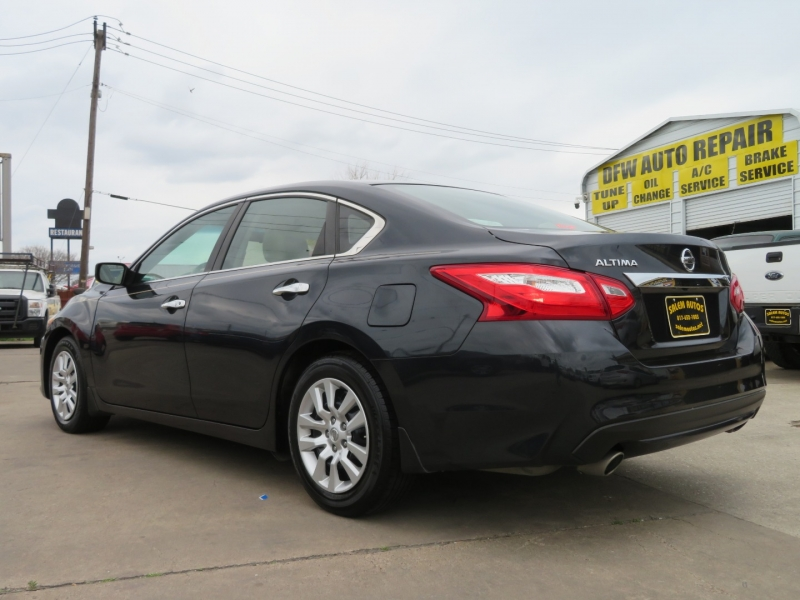 Nissan Altima 2016 price $9,995