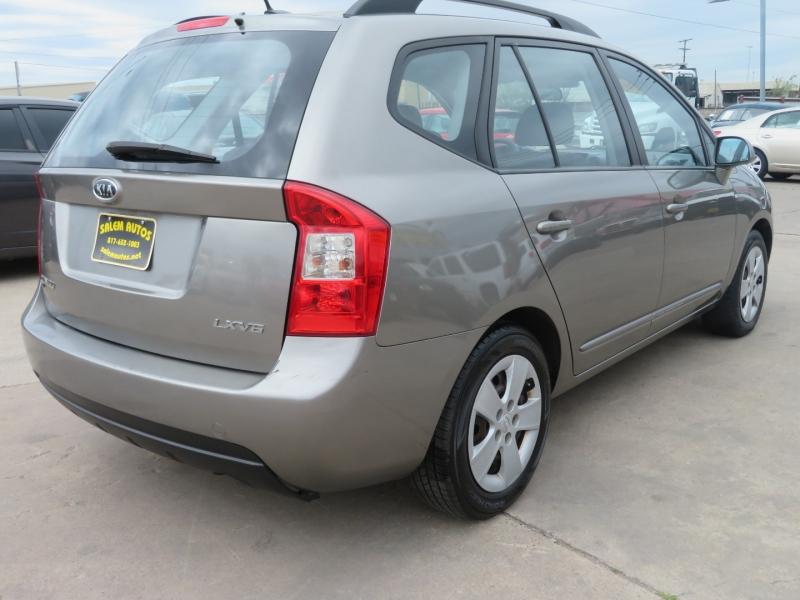 Kia Rondo 2009 price $6,995