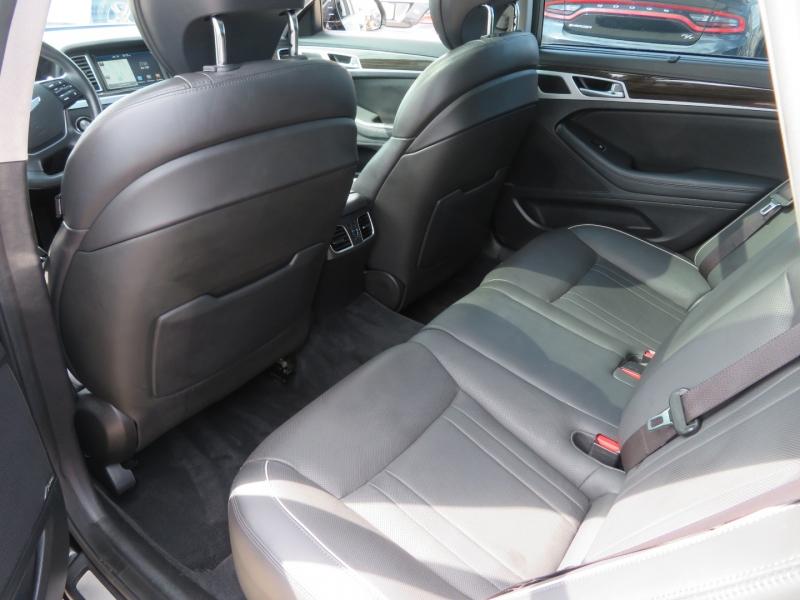 Hyundai Genesis 2015 price $19,595