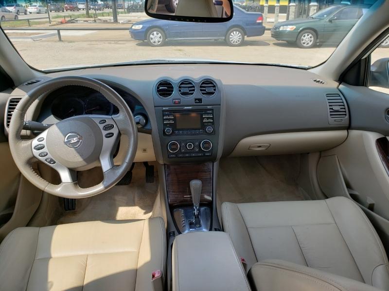 Nissan Altima 2012 price $9,900