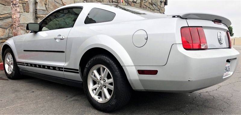 Ford Mustang 2008 price $8,900