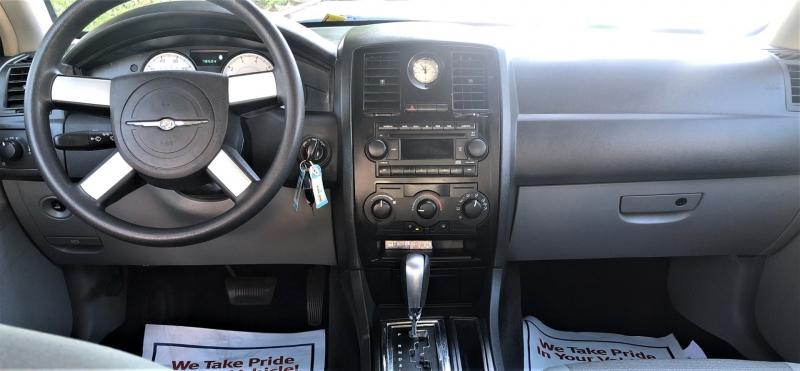 Chrysler 300 2006 price $9,900